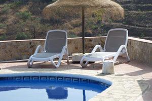 bedjes-bij-het-zwembad